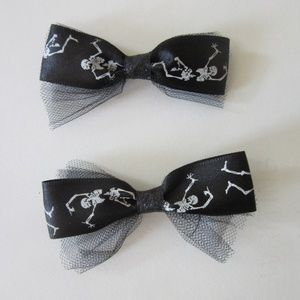 Accessories - Pair of Skeleton bow barrette hair clips
